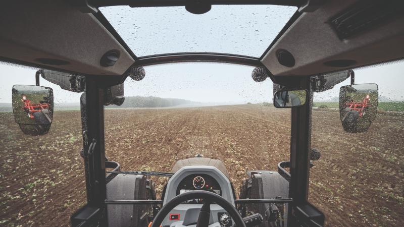 valtra-g-series-tractor-cab-field-800-450.jpg